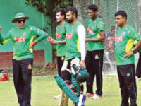 A file photo taken on August 22 shows Bangladesh pacemen Shafiul Islam (2nd-L) and Al-Amin Hossain  (2nd-R) participate in a training session at the National Cricket Academy ground in Mirpur. — New Age photo